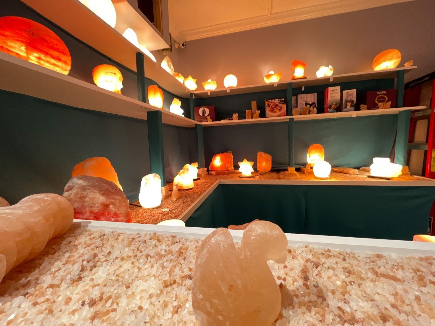 Relaxation- salt lamp therapy